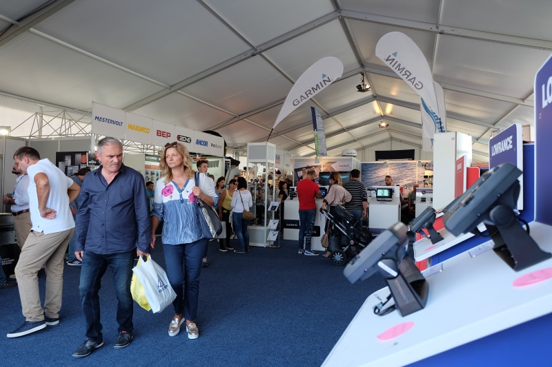 Yacht-Pool Biograd Boat Show 2017. Hall A