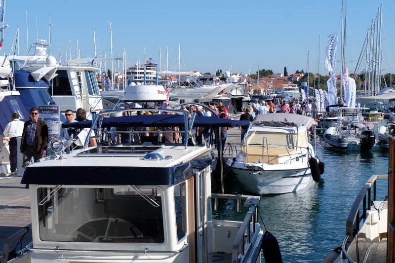 Yacht-Pool 19.0 Biograd Boat Show 2017. ponton