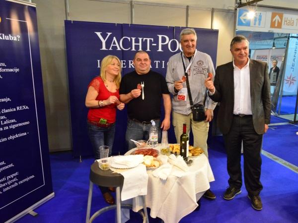 Yacht-Pool štand na Beogradskom sajmu nautike 2015. posada